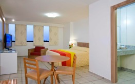 hotel-praia-centro-fortaleza-lazer-hospedagem-acomodacoes-apartamento-luxo-quarto