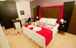 hotel-praia-centro-fortaleza-lazer-hospedagem-acomodacoes-apartamento-suite-lua-de-mel1