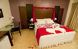 hotel-praia-centro-fortaleza-lazer-hospedagem-acomodacoes-apartamento-suite-lua-de-mel2