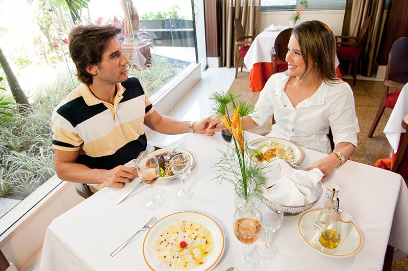 hotel-praia-centro-fortaleza-restaurante-hospedagem-gastronomia-casal